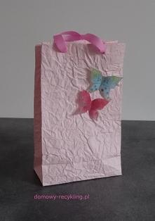torebkę wykonałam z własnoręcznie zrobionego papieru dekoracyjnego