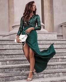 Długa, wieczorowa sukienka ...