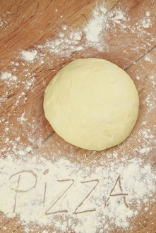 Idealne ciasto na pizzę wed...