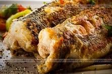 Smażone paski rybne w sosie