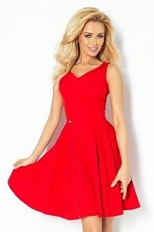 Rozkloszowana sukienka z dekoltem w kształcie serca