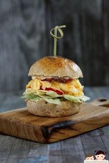Burgero-kanapki z jajecznicą