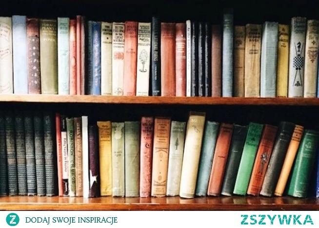 A Wy ile książek przeczytaliście w tym roku? Mi się udało 18, co uważam za dobry wynik. Studia nie pozwalały na spędzanie wolnego czasu przy książkach, które chciało się przeczytać :-) Jaka książka była według Was ta najciekawszą?