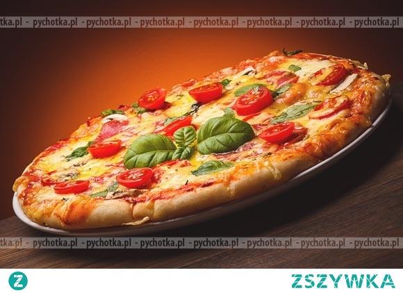 Pizza z boczkiem i pomidorami