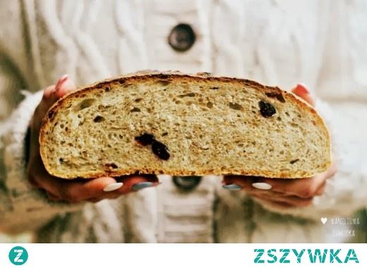 Chleb na zakwasie z otrębami i żurawiną