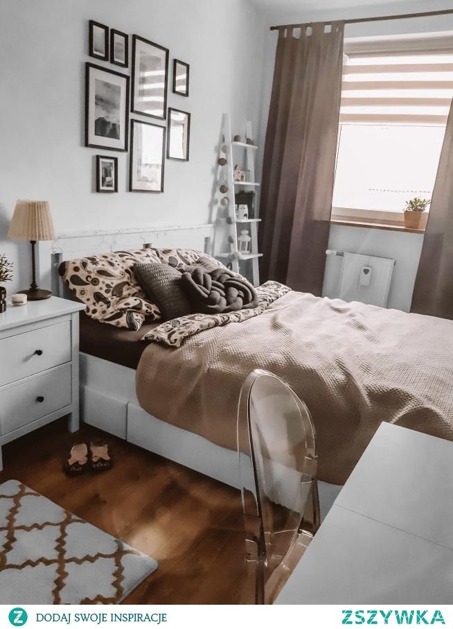 Drabinka Aniela Niebiańska jako regał do sypialni u naszego Klientka, Pana Damiana :)  Ręcznie robione drabinki znajdziesz na Nasze Domowe Pielesze