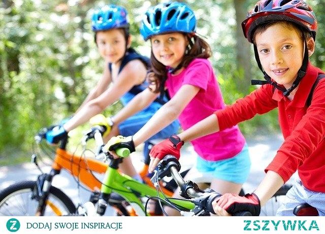 Zajęcia sportowe dla dzieci 30 stycznia 2020  Ruch to zdrowie. O tym wiemy wszyscy. Zachęcać do aktywności należy także dzieci, ponieważ w ten sposób zaszczepiamy w małym człowieku potrzebę ruchu i uprawiania sportu. Dzieciom należy tłumaczyć, że aktywność ruchowa jest niezbędna dla zachowania zdrowia całego organizmu. Wzmacniane są w ten sposób młode mięśnie i zapewniony jest prawidłowy rozwój kształtującego się ciała. Aktywność… Przeczytaj więcej Kliknij w zdjęcie