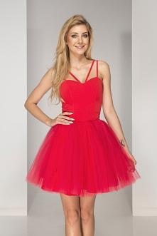 Czerwona sukienka prima ide...