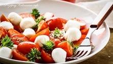 Sałatka z mozzarelli i pomi...
