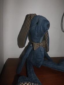 Królik z jeansu .Długość całkowita 49 cm