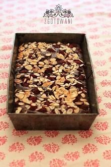 brownies z malinami podawan...