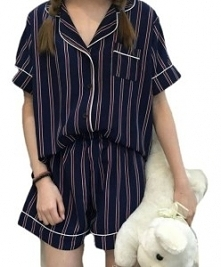 Komplet piżamy damskiej. Dw...