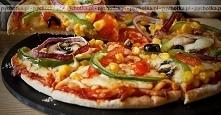 Pizza z kurczakiem i kiełba...