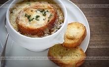 Zupa cebulowa z serem Emmen...