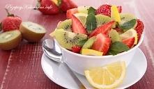 Sałatka pełna owoców