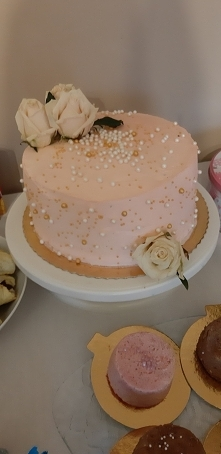 tort różowy
