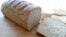 Pyszny domowy chleb. Fajny przepis na domowy chlebek na drożdżach wykonany z różnych rodzajów mąk. Chleb wychodzi bardzo delikatny z chrupiąca skórką. Przepis jest banalnie pros...