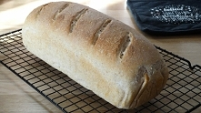 Chleb pszenny na zakwasie. ...