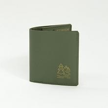 Praktyczny i cienki portfel z Hypalonu Funkcjonalny i prosty portfel z dwoma minimalistycznymi grawerami wykonanymi laserowo. Największą zaletą naszego dizajnerskiego portfela j...