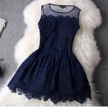 Bo nic tak nie poprawi nastroju jak dobrze dobrana garderoba :D Sukienka, która przykuje uwagę innych. Elegancka i zmysłowa.