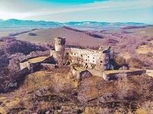 Zamek Bolków (woj. dolnośląskie)- Zamek jest zamkiem wyżynnym, budowla zajmuje 7600 m²
