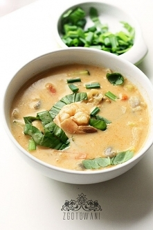 Zupa z kretetkami i czerwonym curry