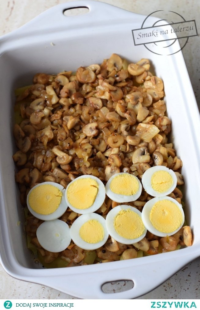 Ziemniaczana zapiekanka z jajkami i pieczarkami