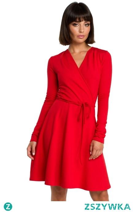 Rozkloszowana kopertowa wiązana sukienka