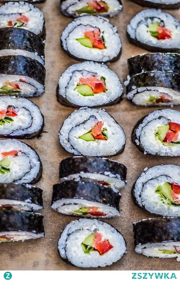 Jak zrobić domowe sushi?  Opis, receptura i wykonanie po kliknięciu w zdjęcie.