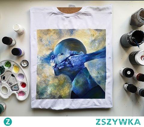 Koszulka ręcznie malowana, wzorowałam się na jednym z obrazów Beksińskiego.