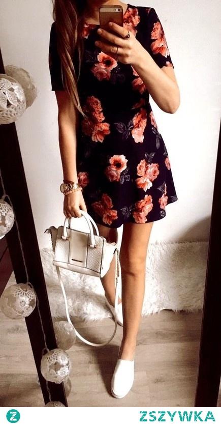 Sukienka w kwiatki :)