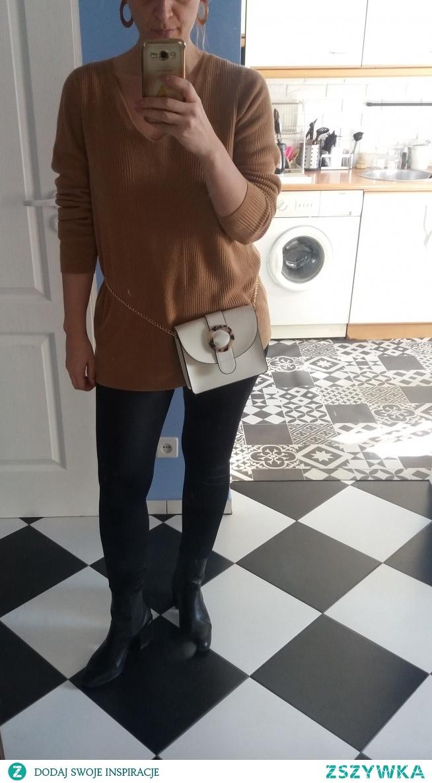 Sprzedam beżowy sweter Marks&Spencer oversized (nosze 38/40) prążkowany 15 zł