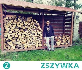 Budowa drewutni do sezonowania drewna krok po kroku. Cały wpis znajdziecie w linku łącznie z kosztorysem. Drewutnia pomieści 6m2 drewna.