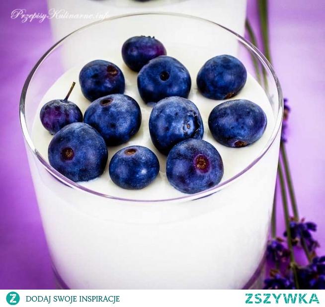 Krem z jagodami