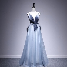 Piękne Tusz Niebieski Sukie...