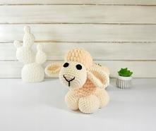 Owieczka - mała przytulanka  Opis:  Owieczka to idealny sposób na nudę dla dziecka, gwarantuje fantastyczną zabawę oraz może być wspaniałym, oryginalnym prezentem.  Jedyna w swo...