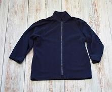 Sprzedam bluzę z polaru chłopięcą R: 7-8L/122-128cm Opis  Na stójce  Zapinana na suwak  Rękawy raglanowe  Wymiary:  Długość - 52cm;  Szerokość od paszki do paszki - 40cm x 2;  D...