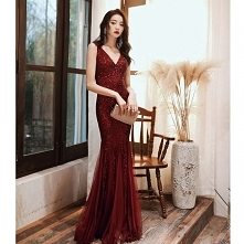 Błyszczące Burgund Sukienki...