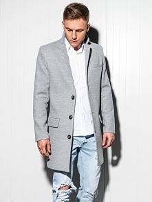 Modny płaszcz męski za pas o prostym kroju to doskonała propozycja dla modneg...