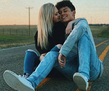 Miłość w trakcie zarazy – jak spędzać wspólnie czas na odległość?