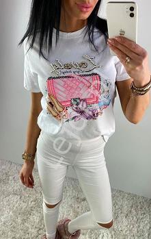 Modna koszulka damska z kryształkami i cekinami z napisem Lovely. T-shirt damski z zdobieniami. lejdi.pl
