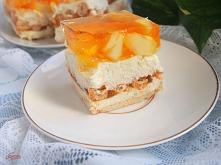 ciasto z kaszą manną i owoc...