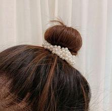 Gumka do włosów z perełkami...