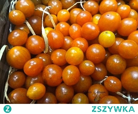 The tomato is the edible, often red, berry of the plant Solanum lycopersicum, commonly known as a tomato plant.