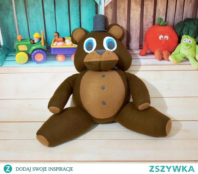 Freddy inspirowany grą Five Nights at Freddy's (HandMade).  Duża zabawka wykonana ręcznie z polaru, zawiera miękkie wypełnienie antyalergiczne, tzw. kulka silikonowa posiadająca certyfikat OEKO-TEX STANDARD 100  Oryginalna zabawka dla odważnych.  Wys. - 70cm