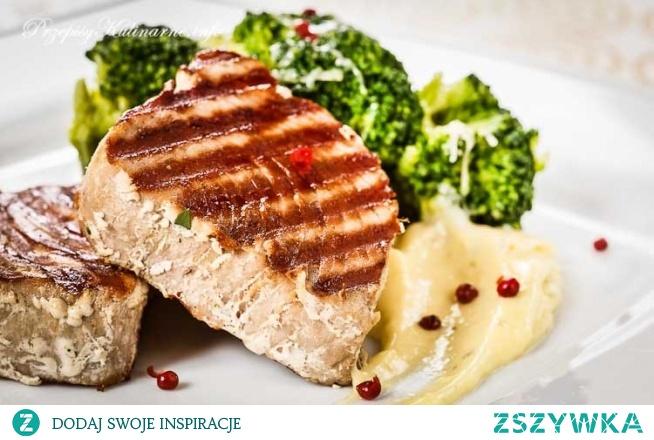 Steki z tuńczyka z grilla