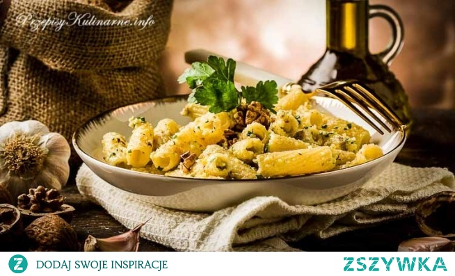 Makaron z pesto z orzechami włoskimi