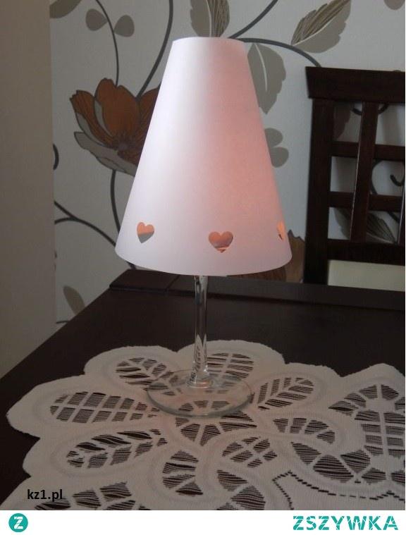 Abażur na kieliszek z podgrzewaczem, dzięki któremu stworzysz niepowtarzalny lampion.