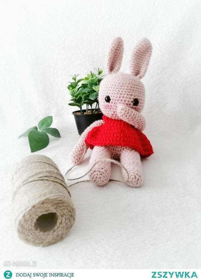 przesłodka maskotka króliczek z rumieńcami