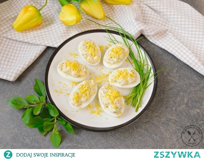 Jajka faszerowane łososiem w wersji fit Link do przepisu w tagach